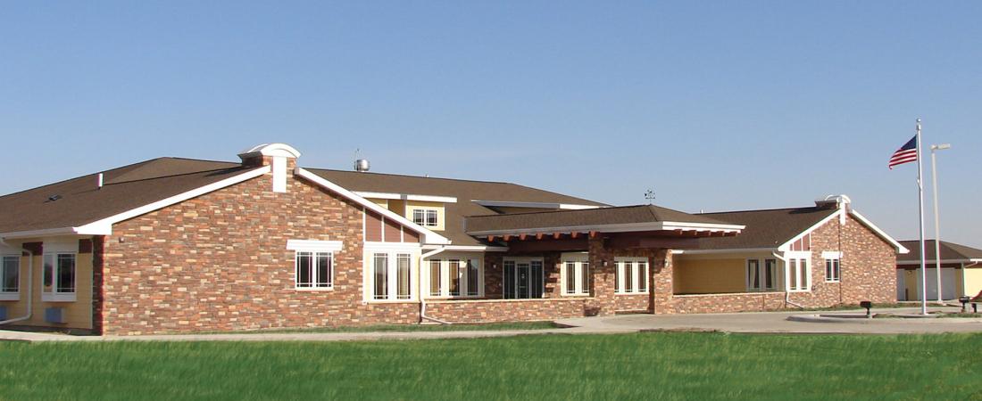 01-1920x1080-Prairie-Breeze-Assisted-Living-ExteriorFEATURE1-1100x450.jpg
